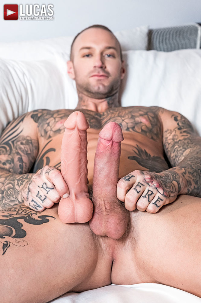 Dylan_James_Dildo_2018_16_02_10
